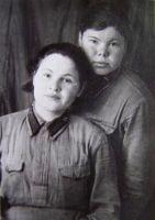Чаплыгина З.А. (справа) с подругой. 1942 г.