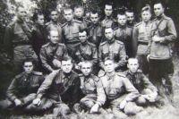 Бочков Б.А. (в центре третьего ряда). 1945 г.
